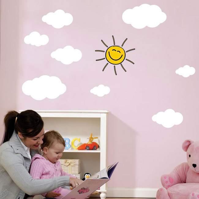 Αυτοκόλλητα τοίχου παιδικά Άσπρα συννεφάκια και χαμογελαστός ήλιος