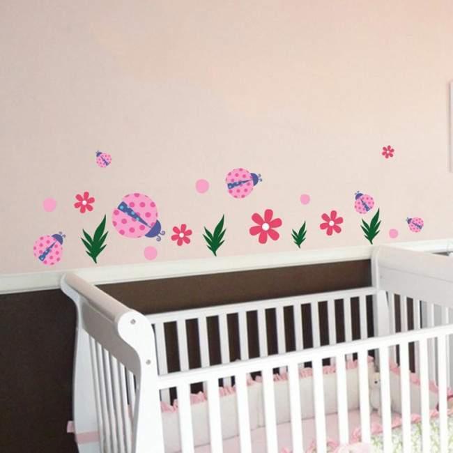 Αυτοκόλλητα τοίχου παιδικά Πασχαλίτσες και λουλουδάκια