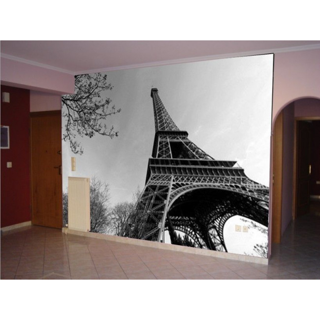 Wallpaper View of the Eiffel Tower