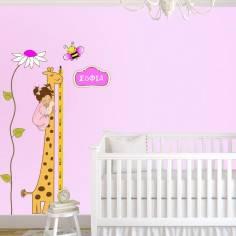 Αυτοκόλλητο τοίχου, υψομετρητής, Καμηλοπάρδαλη, κοριτσάκι με όνομα