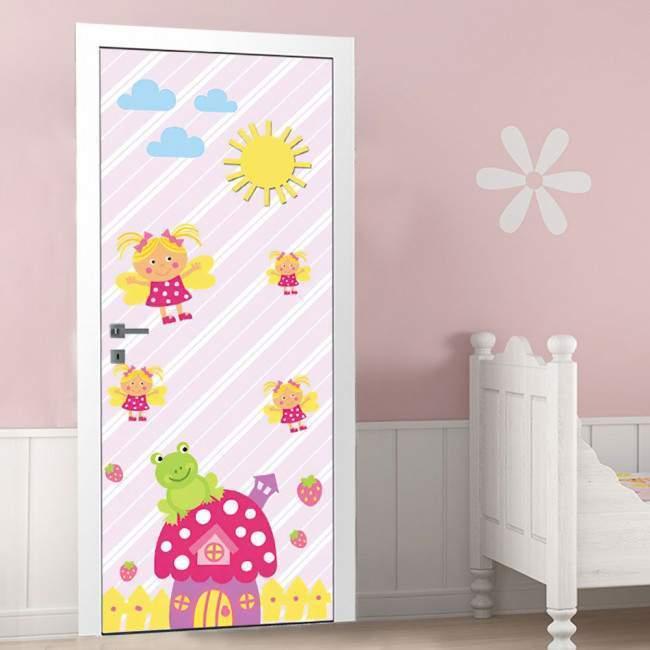 Φραουλόσπιτο και μελισσούλες ,αυτοκόλλητο πόρτας παιδικό