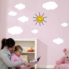 Άσπρα συννεφάκια και χαμογελαστός ήλιος , αυτοκόλλητα τοίχου