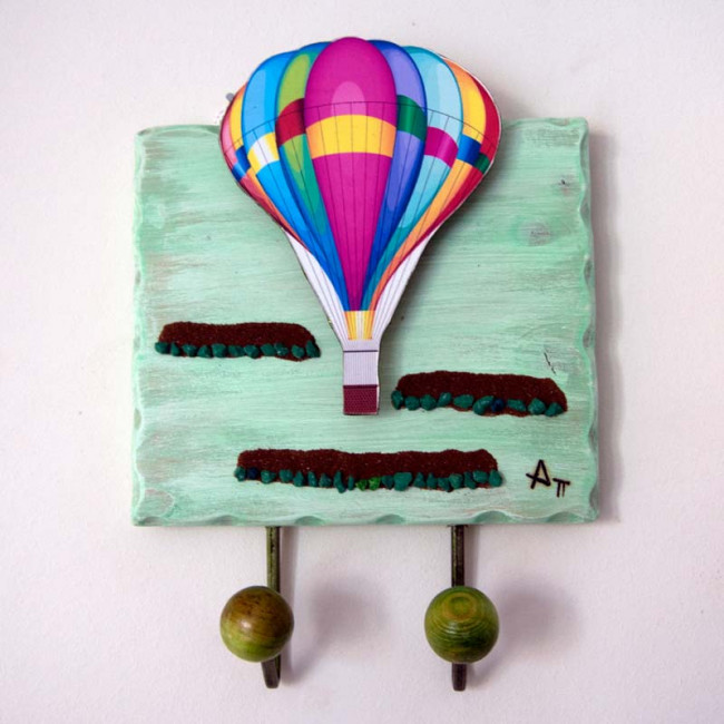Αερόστατα παντού ,ξύλινη χειροποίητη τρισδιάστατη κρεμάστρα