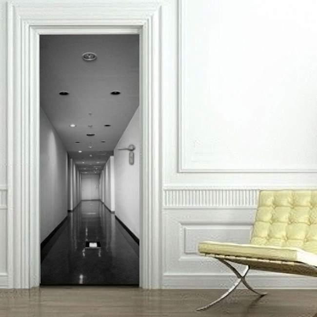 Διάδρομος ΙΙ, αυτοκόλλητο πόρτας