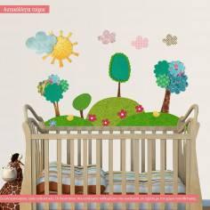 Τοπίο με μοτίβα (patchwork), αυτοκόλλητο τοίχου με δέντρα , λόφους και ήλιο