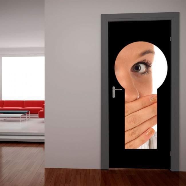 Η κλειδαρότρυπα, αυτοκόλλητο πόρτας